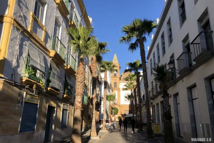 La bonita calle Virgen de la Palma en Cádiz.