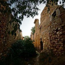 Calles del pueblo de Finestres, en Huesca.