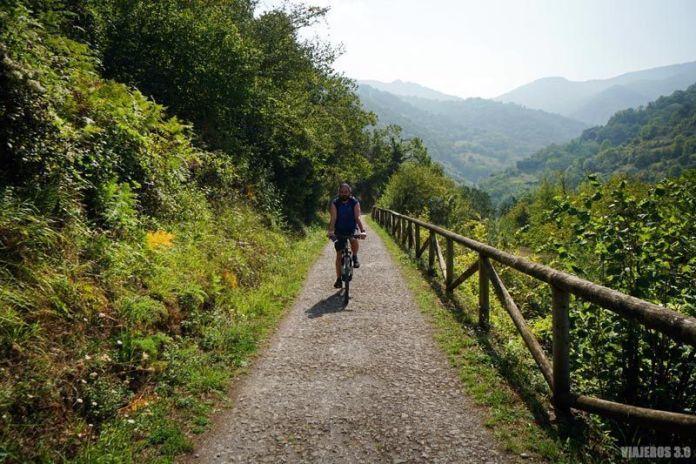 Senda del Oso en Bicicleta, planes que hacer en Asturias.
