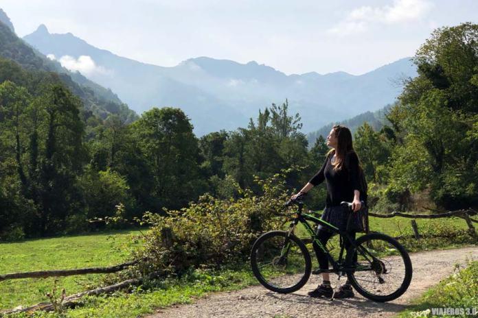 Bicicleta de alquiler en la Senda del Oso