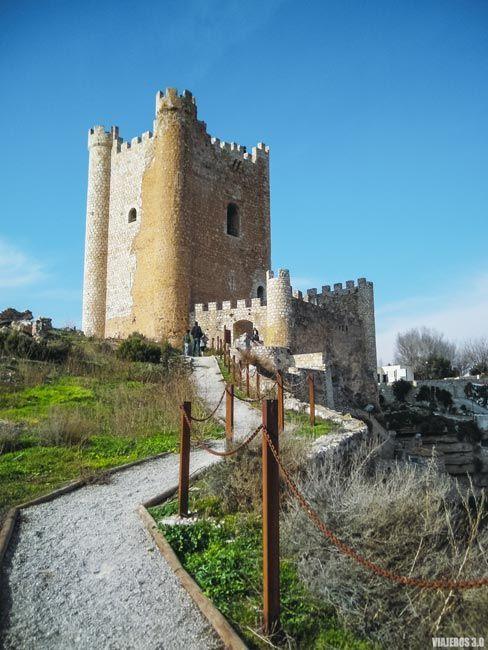 Que hacer en Alcalá del Júcar: visitar el castillo