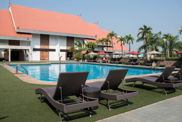 Orchid Hotel Chiang Mai piscina