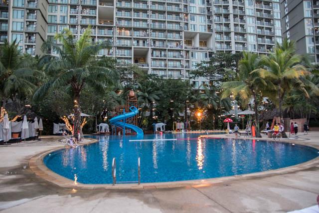 Hotel Shangri-la Chiang Mai piscina con tobogán