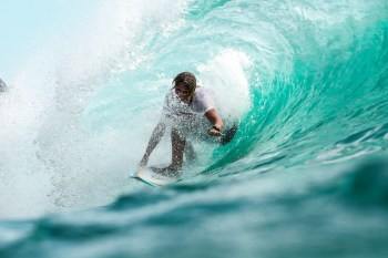surf en bali - mejores olas indonesia
