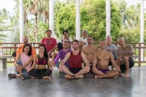 yoga en el parque - que hacer en Chiang Mai