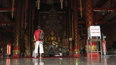 Día 9: Tailandia (Chiang Mai: Wats Chiang Man, Phra Singh, Chedi Luang, etc. Fábrica de maderas, masaje tailandés, Bazar Nocturno, Mercado Anusan, etc). ViajerosAlBlog.com