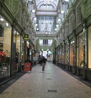Día 1: Bélgica (Bruselas: Teatro Real, Heysel con Pabellón Chino, Pagoda Japonesa y Atomium, etc). ViajerosAlBlog.com