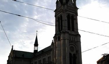 Día 5: Eslovaquia (Bratislava: barrios residenciales comunistas, pirámide invertida, Aeropuerto, etc). ViajerosAlBlog.com