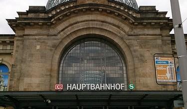 Día 4: Alemania (Dresde: Frauenkirche, Desfile de los Príncipes, Ronda Zwinger, etc. Berlín: llegada y hostel). ViajerosAlBlog.com