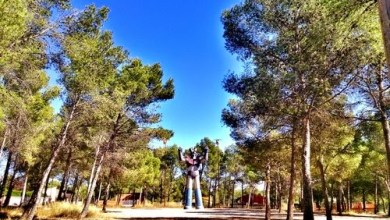 Estatua gigante de Mazinger Z en Tarragona... ¡PUÑOS FUERA! ViajerosAlBlog.com
