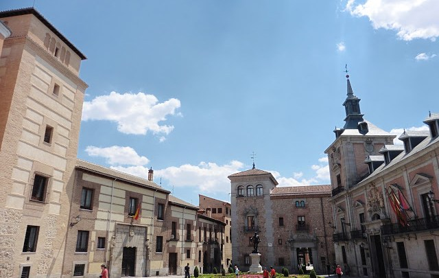 Plaza de la Villa y Calle de Madrid. El corazón del Madrid Medieval y el Madrid de los Austrias. ViajerosAlBlog.com