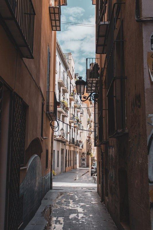 Visita a la Ciutat Vella de Valencia: calles de la Ciutat Vella (El Carme).