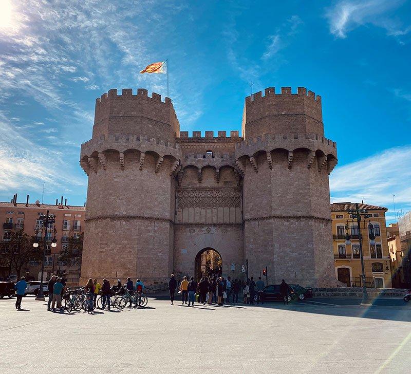 Visita a la Ciutat Vella de Valencia: torres de serranos