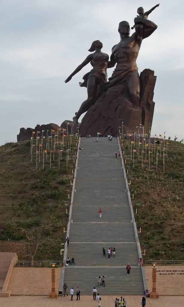Monumento al Renacimiento Africano - Dakar, Senegal, África - 11