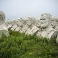 Parque De Los Presidentes Y Sus Bustos Gigantes Abandonados