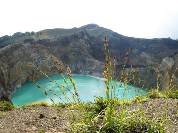 Kelimutu, los Lagos Tri-color De Indonesia
