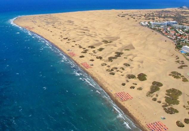 Las dunas de Maspalomas. Foto Aérea de Las Dunas de Maspalómas. Costa Turística de San Bartolomé de Tirajana Gran Canaria