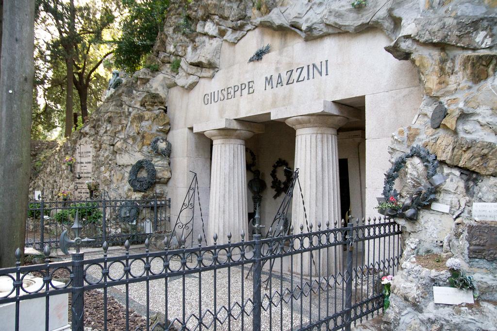 Tomba Mazzini
