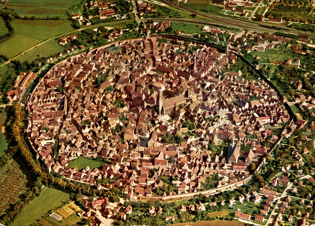 https://i1.wp.com/viajerosdelmisterio.com/wp-content/uploads/2018/06/noerdlingen-air-view-postcard.jpg?fit=1024%2C735&ssl=1