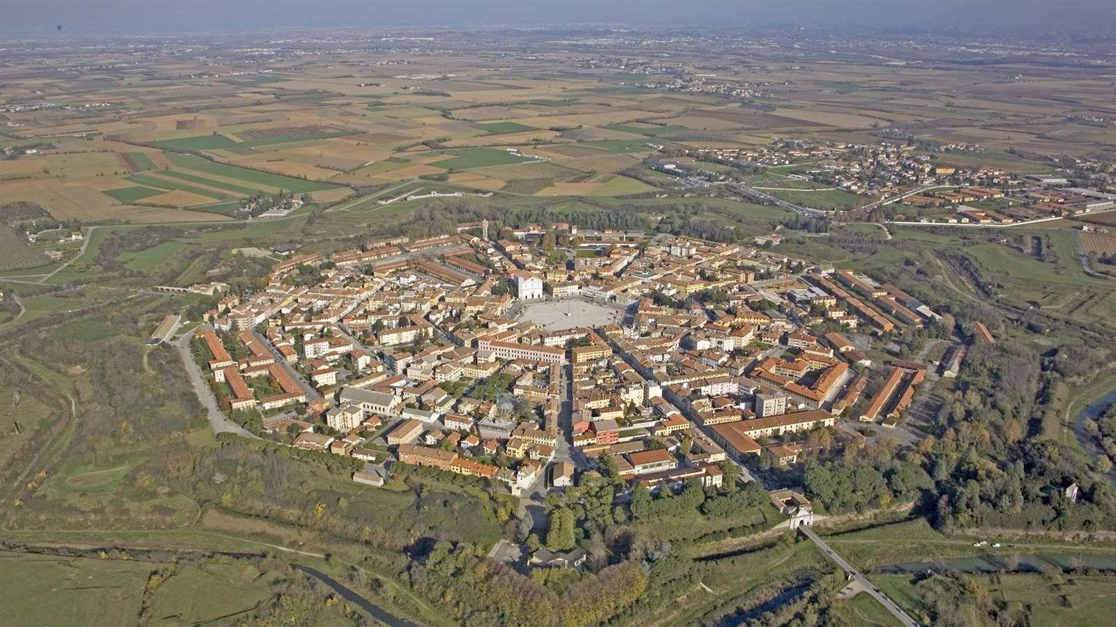 La ciudad fortificada de Palmanova en Italia