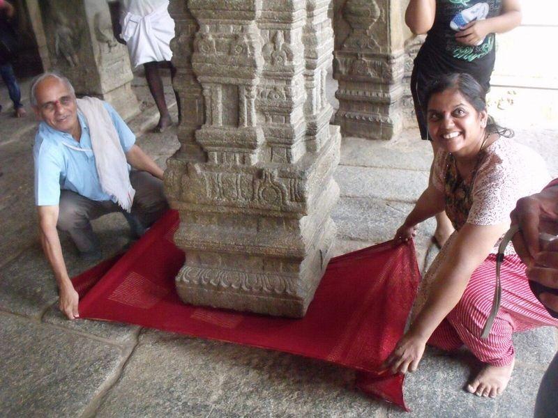 Templo Veerabhadra y su pilar colgante en Lepakshi