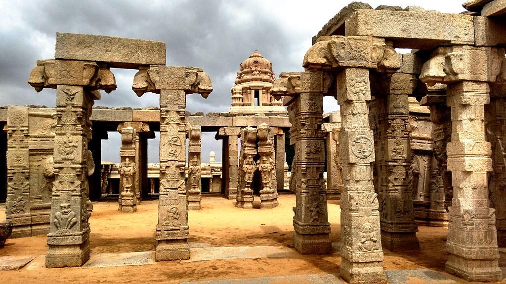 Lepakshi Veerabhadra Temple - Kalyana Mantapa!!!