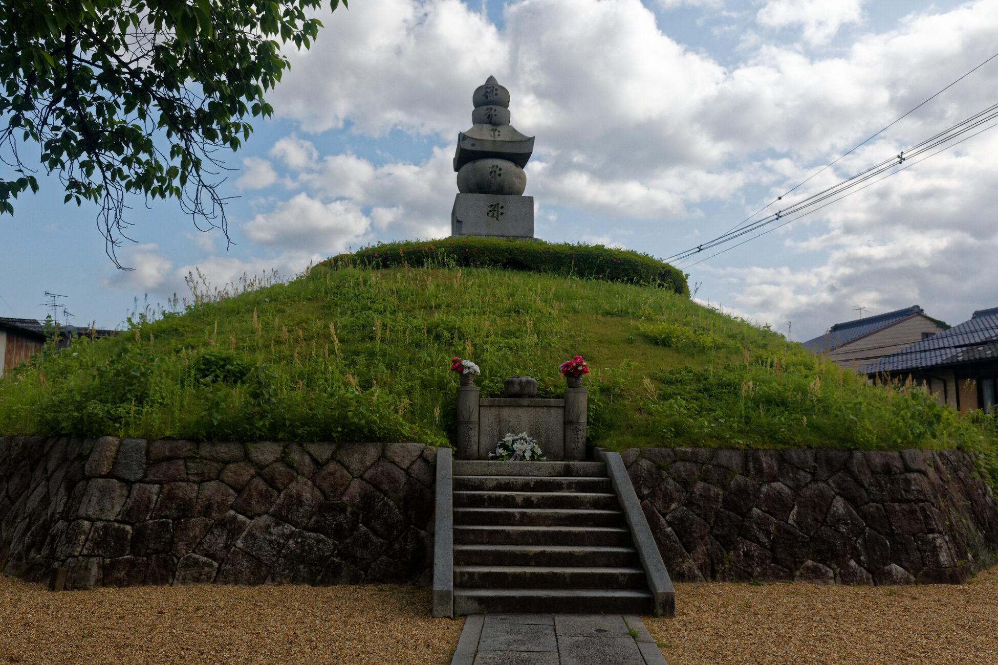 Mimizuka: El lugar de enterramiento de miles de narices 3