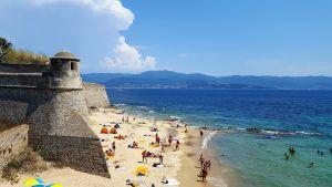 Ciudadela y playa de Ajaccio, Córcega