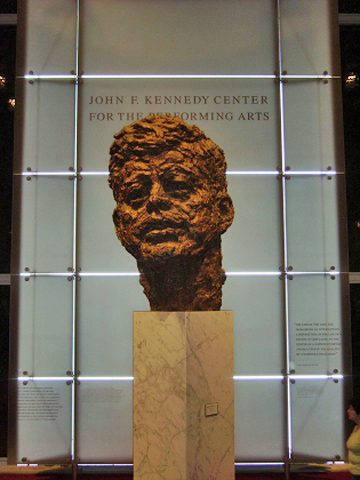 Busto John Fitgerald Kenneddy The John F. Kennedy Center for the Performing Arts Washington