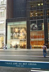 5th Avenue valla no pasar policía 5ª Avenida Nueva York