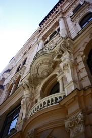 Columnas estatuas barrocas Andrássy Út Budapest