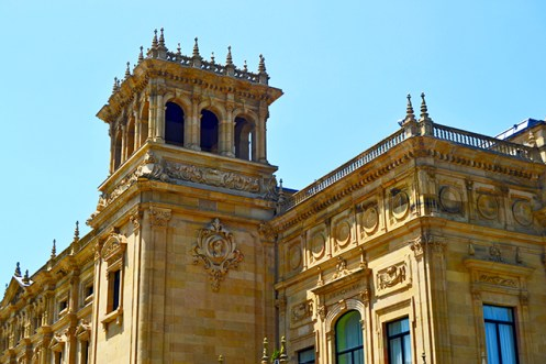 Fachada decoración neorrenacentista Teatro Victoria Eugenia San Sebastián Donosti País Vasco