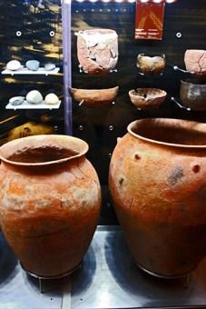 Vasijas cerámica restos Museo Arqueológico Almería