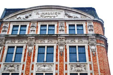Detalles modernistas fachada Art Nouveau Sablon Bruselas
