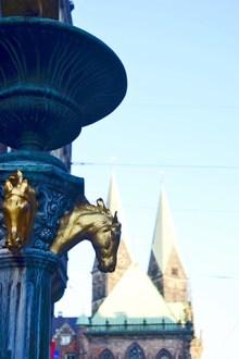 Caballos oro fuente calles Bremen