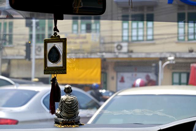 Amuleto buda coche Bangkok