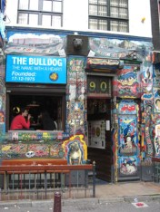 Fachada coffee shop Bulldog Barrio Rojo Amsterdam