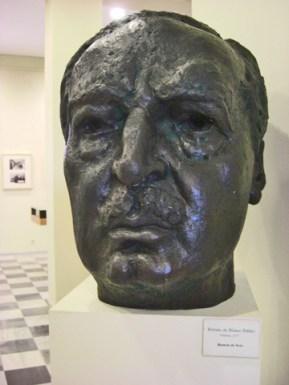 Bust de Vicente Blasco Ibanyez a la seua casa natal
