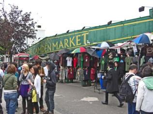 Rótulo verde entrada Camdem Market Londres