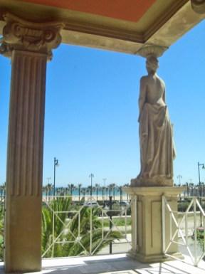 Cariátides Casa Museo Blasco Ibáñez playa Malvarrosa Valencia