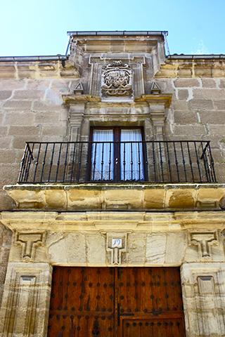 Entrada casa palacio Conde Garcinabro Uclés Cuenca