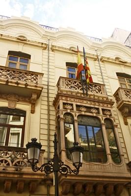 Casa dels caragols custodiant la Generalitat