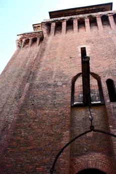 Contrapicado grúa entrada Castillo Este Ferrara