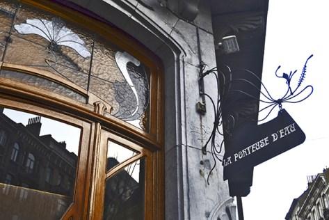 Entrada cartel modernista La portense d'eau St-Gilles Bruselas