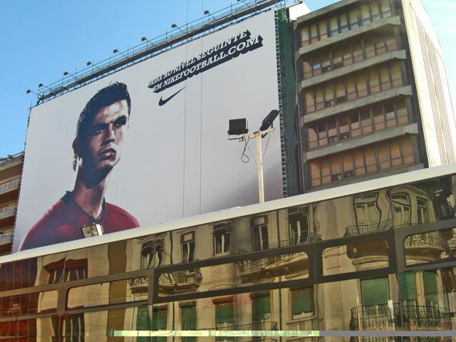 Cristiano Ronaldo valla publicitaria Nike Lisboa