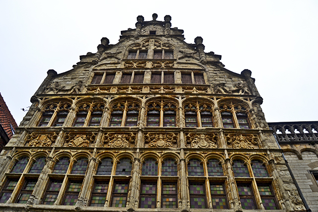 Fachada contrapicado vivienda neoclásica siglo XVII Gante
