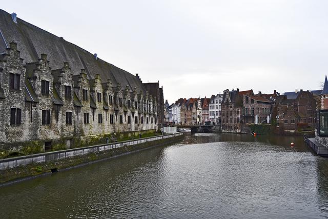 Panorámica río Leie centro histórico Gante