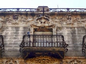 Dominant el carrer de Sant Joan la Casa Sagarra de Pere Caselles i Tarrats