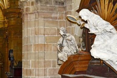 Escultura virgen Santa María ángel Catedral Buen Pastor San Sebastián Donostia