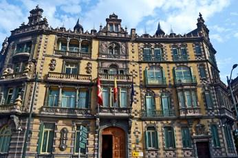 Fachada ecléctica estilo belga Palacio Etxabarri plaza Moyúa Bilbao